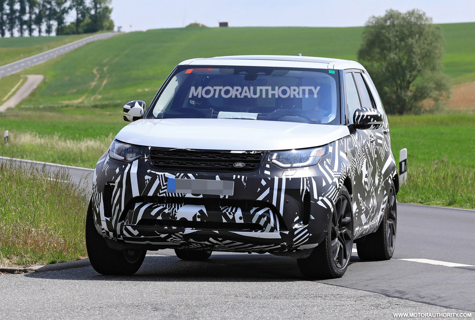 Speed Test 2022 Land Rover Discovery
