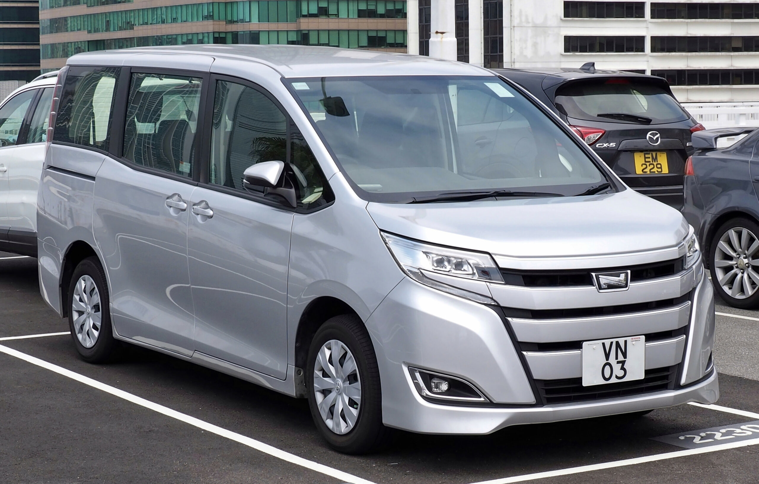New Review Toyota Voxy 2022
