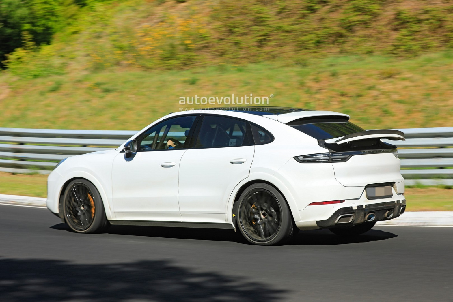 Redesign and Review 2022 Porsche Cayenne