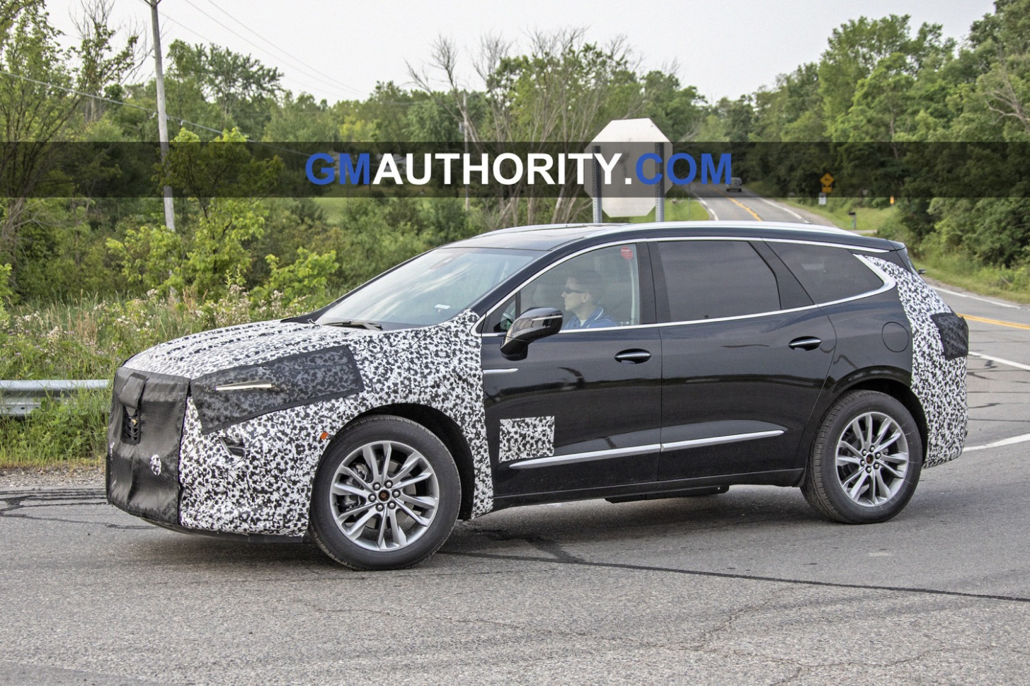 Ratings 2022 Buick Enclave Spy Photos