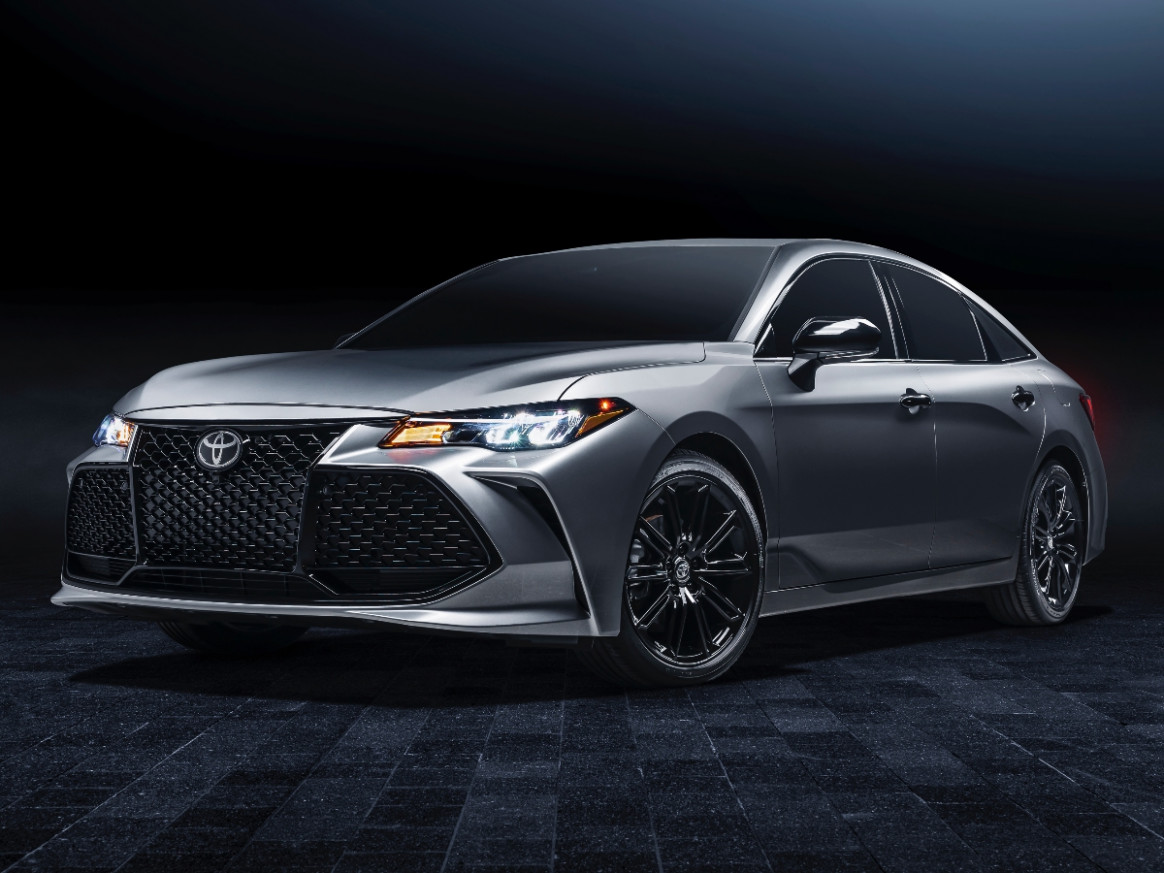 Pictures 2022 Toyota Avalon Hybrid