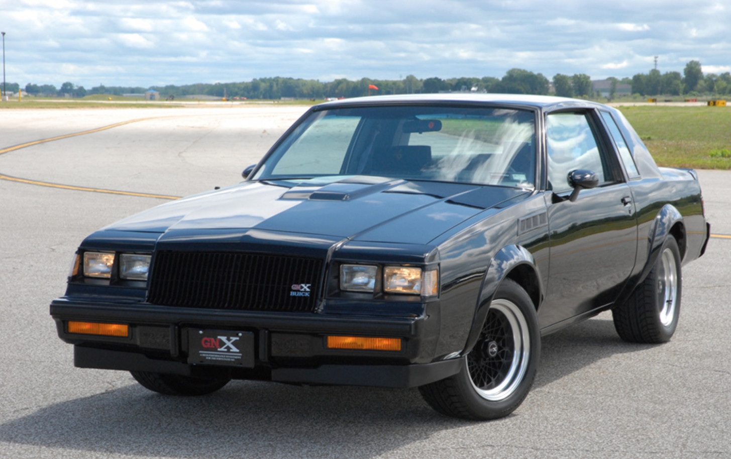 Configurations 2022 Buick Grand National Gnx