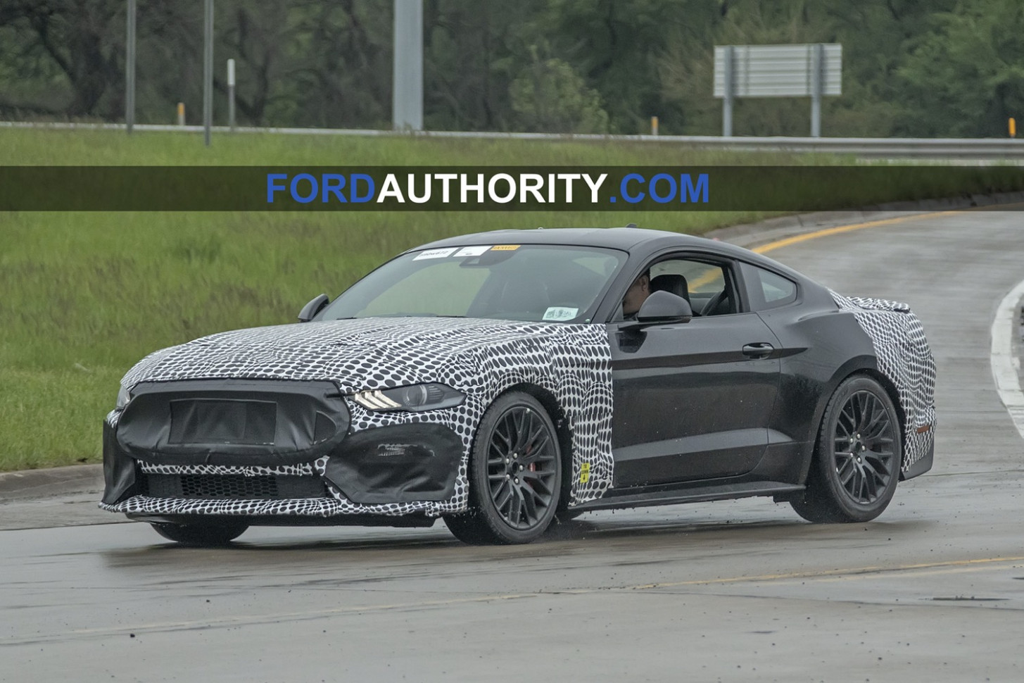 Picture 2022 Mustang Gt500