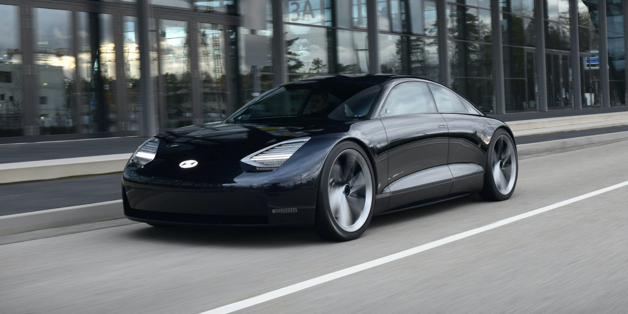 Performance and New Engine Hyundai Electric Car 2022