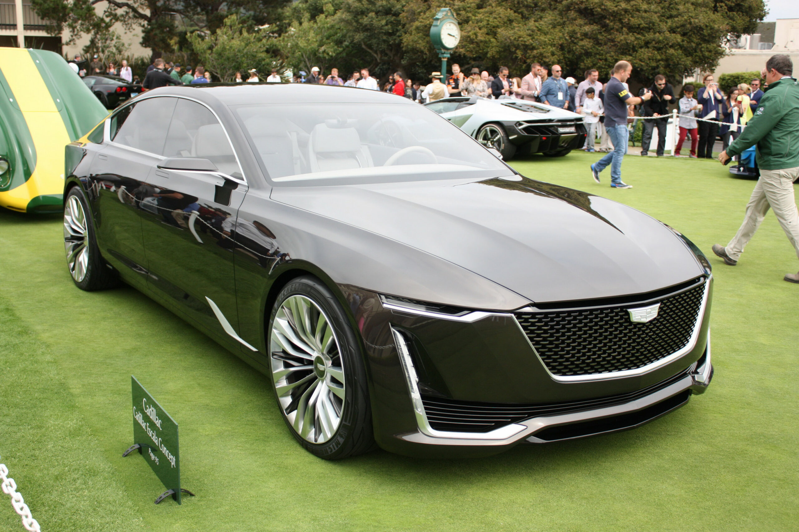 Specs and Review 2022 Candillac Xts