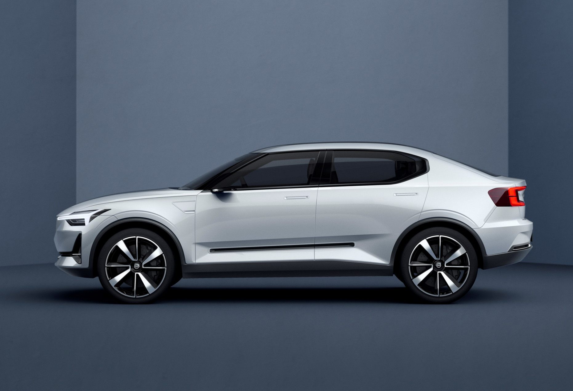Concept and Review 2022 Volvo S40