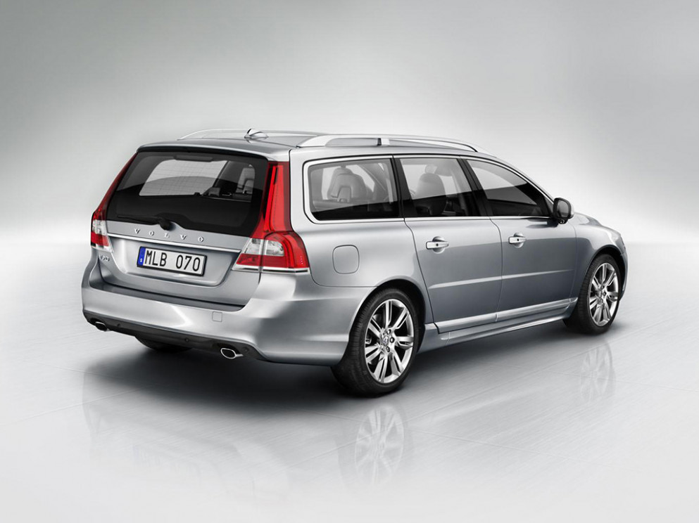 New Review 2022 Volvo V70