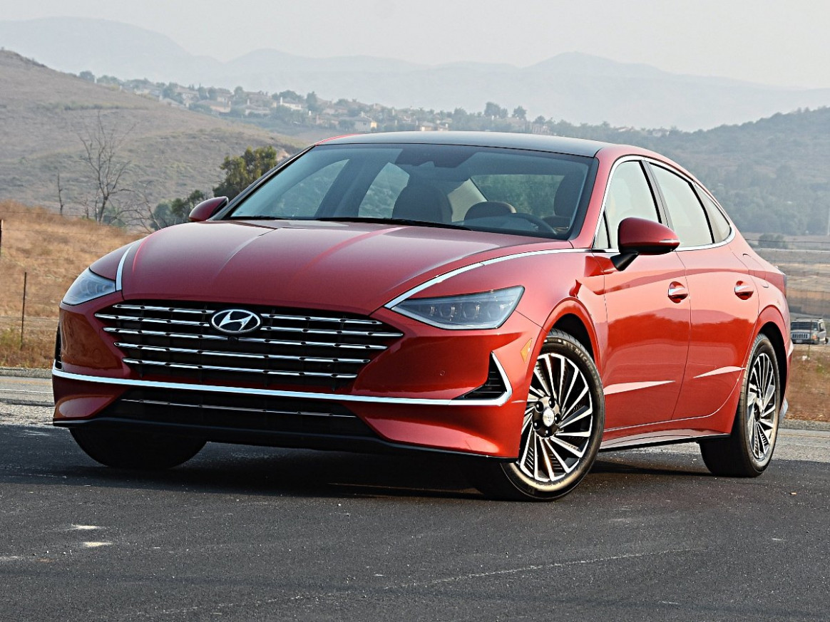 Specs and Review 2022 Hyundai Sonata Hybrid Sport