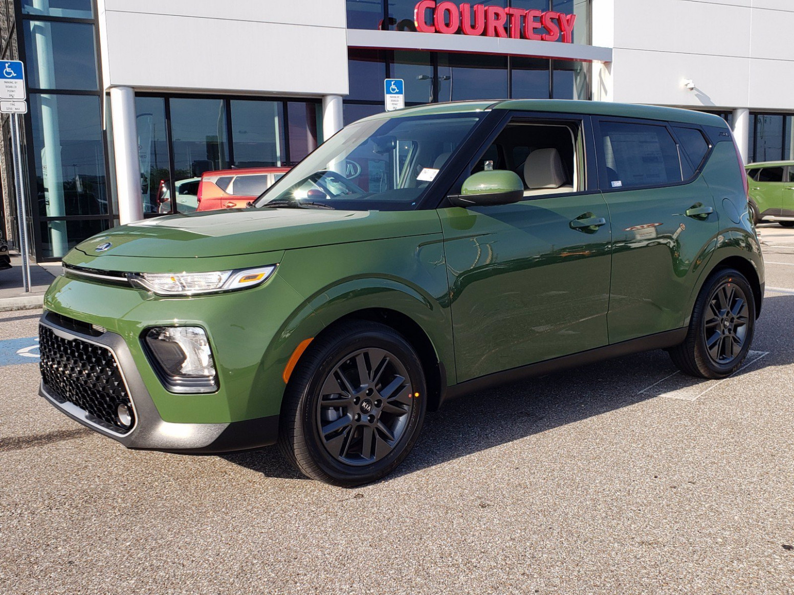 Specs and Review 2022 Kia Soul Undercover Green