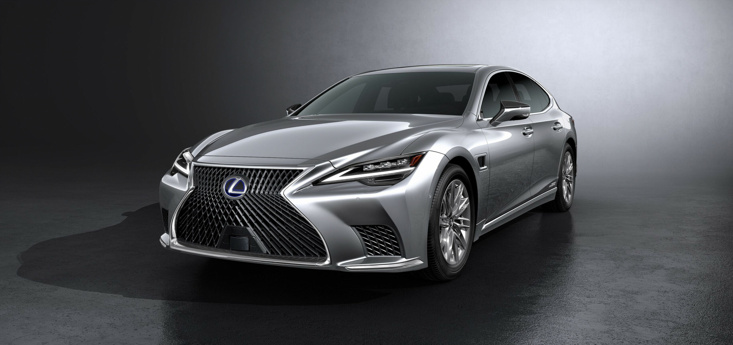 Research New 2022 Lexus LSs