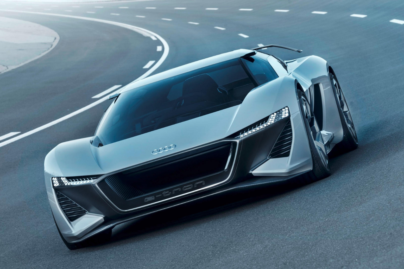 Speed Test 2022 Audi R8 E Tron