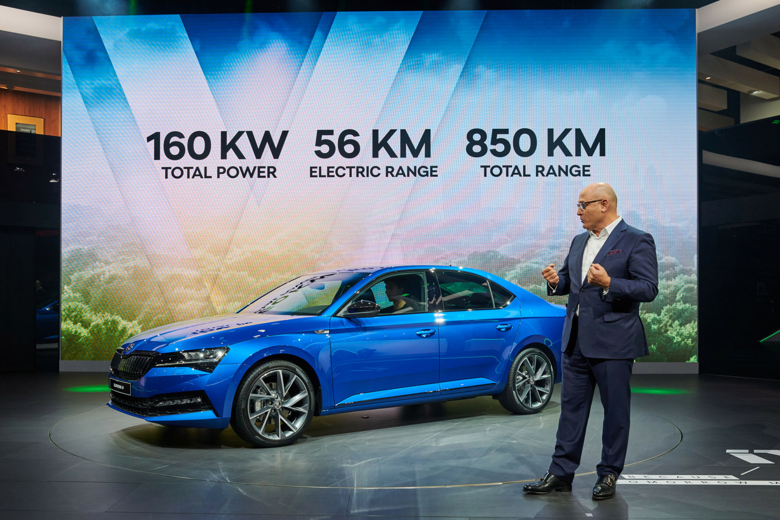 Specs and Review 2022 New Skoda Superb