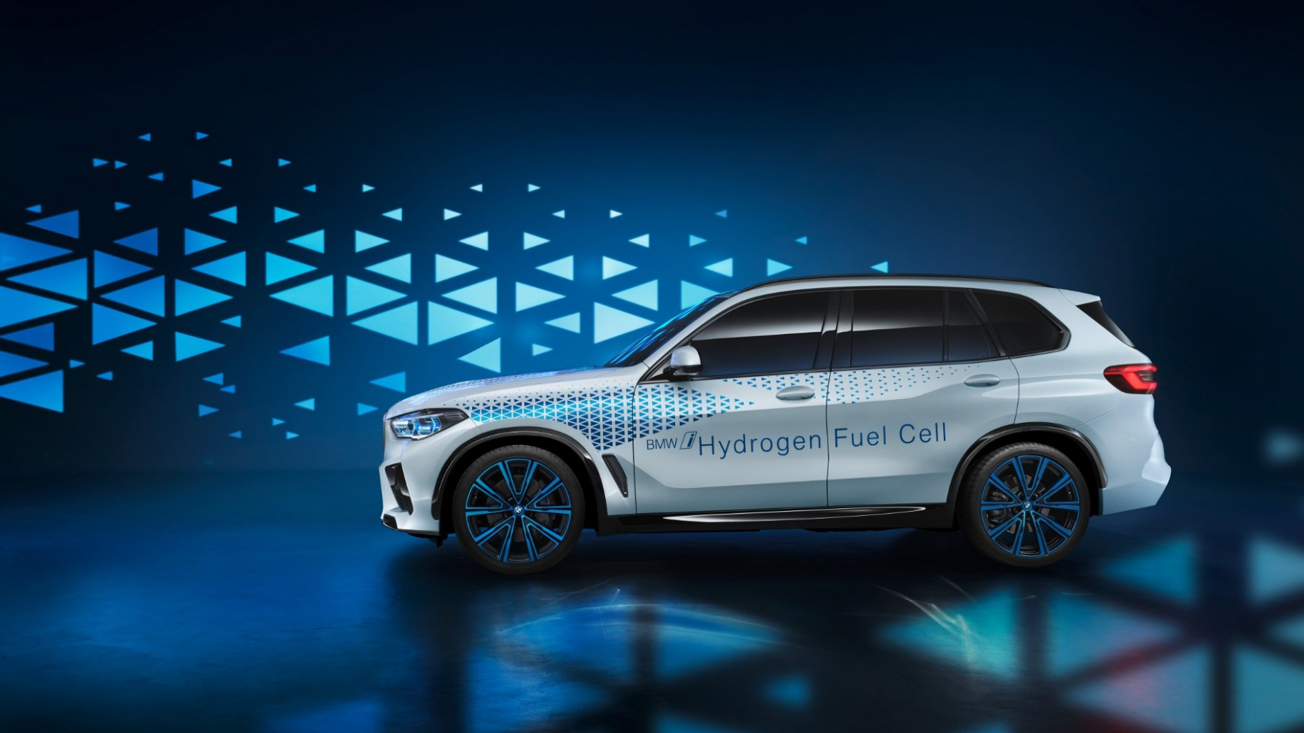 Redesign and Concept 2022 Next Gen BMW X5 Suv