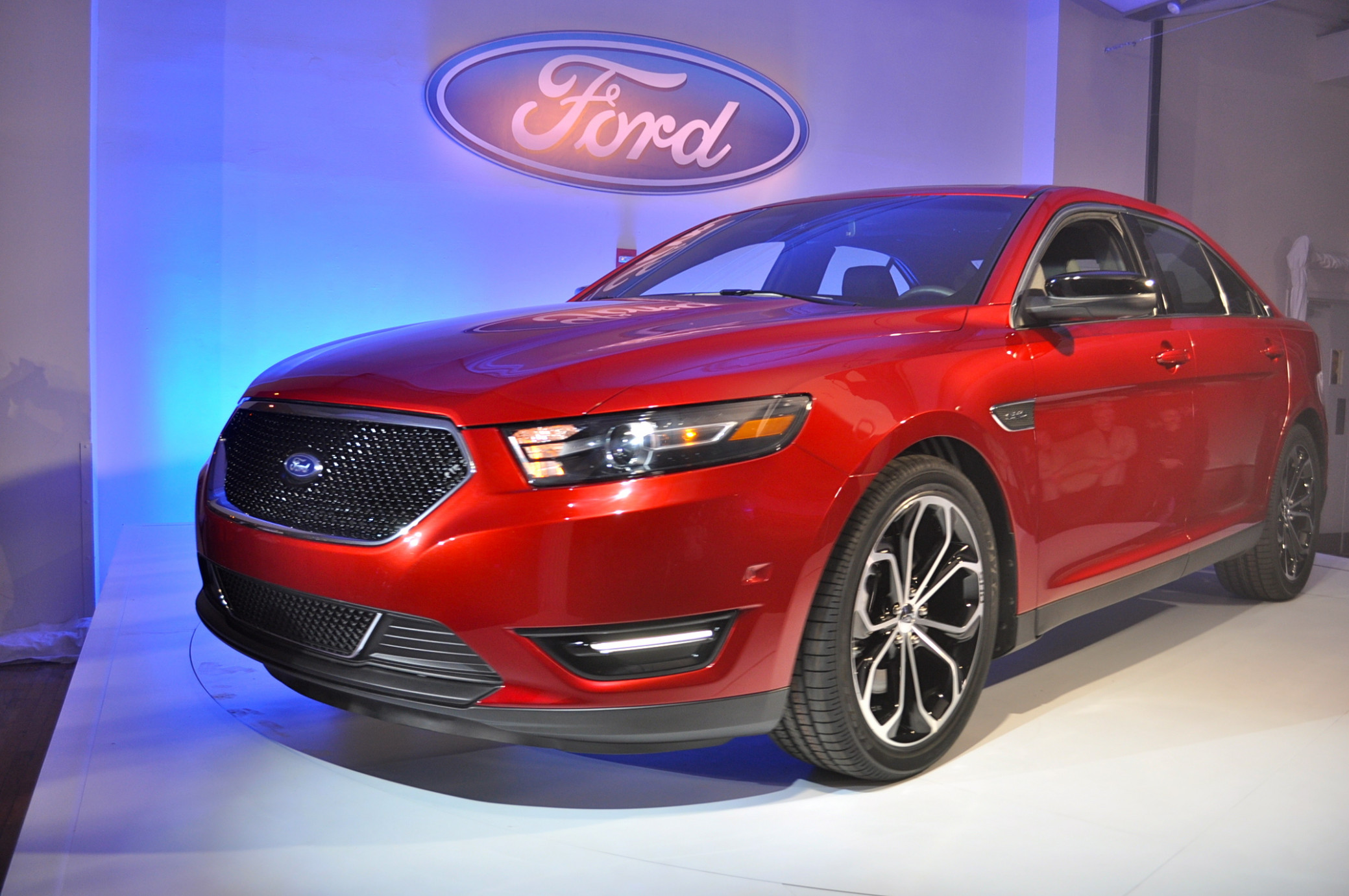 Pictures 2022 Ford Taurus Sho
