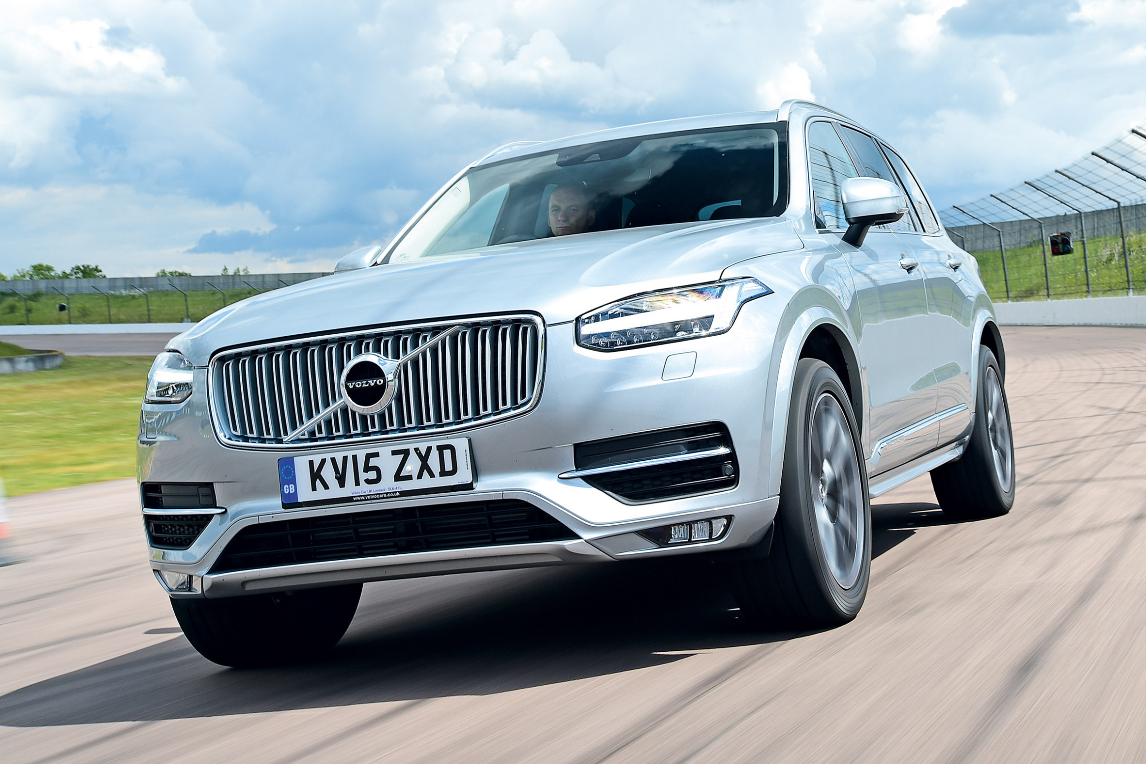 First Drive No One Will Die In A Volvo By 2022