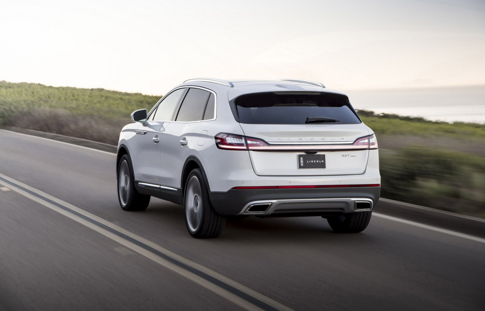 Pictures 2022 Lincoln MKX