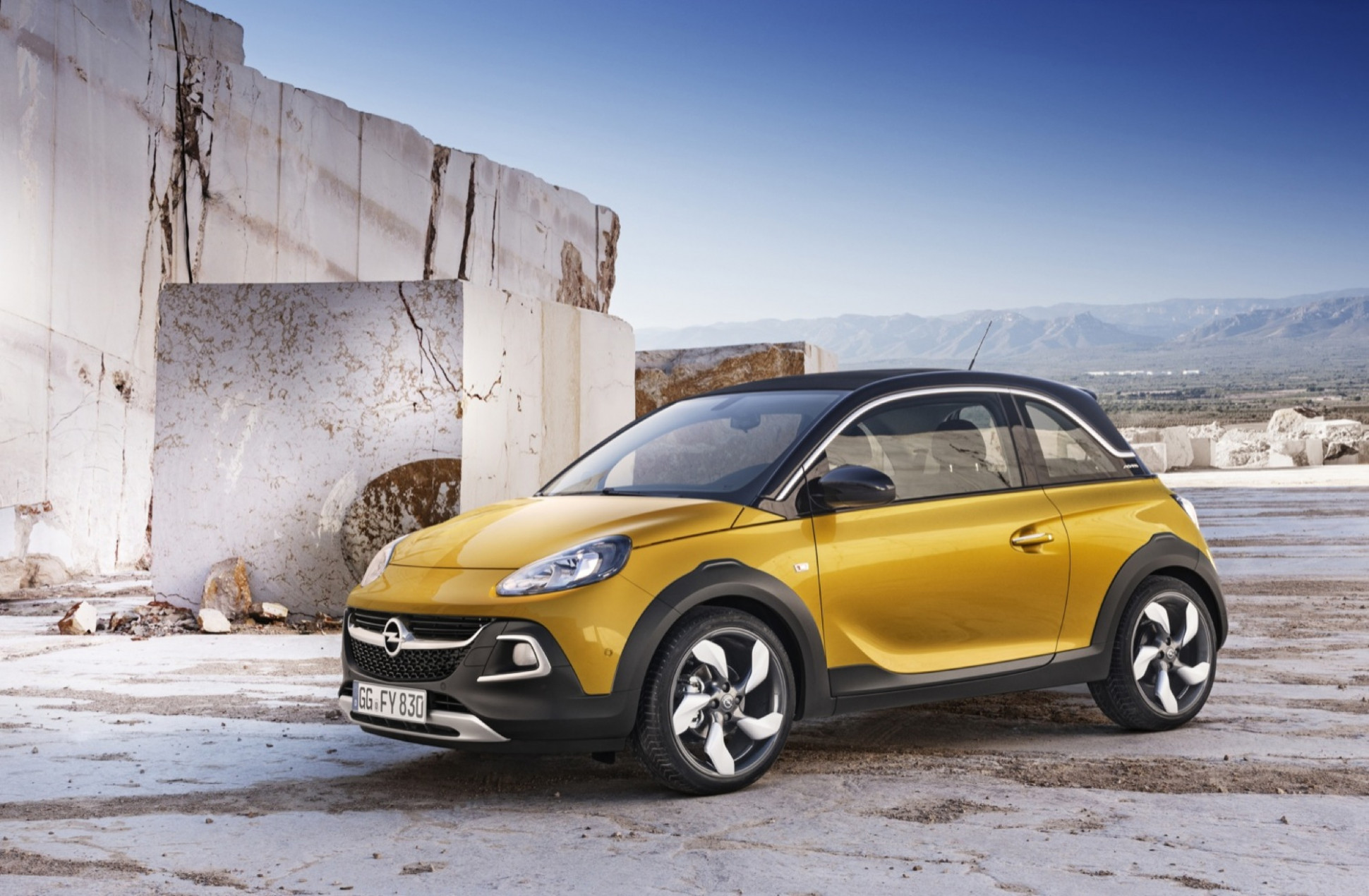 Pictures 2022 Opel Adam Rocks