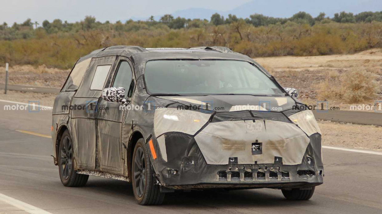 Price and Review 2022 Spy Shots Toyota Prius