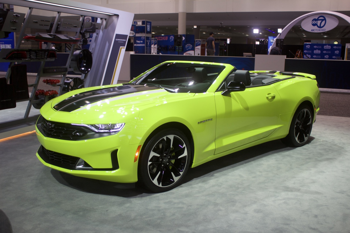 Research New 2022 Chevy Camaro