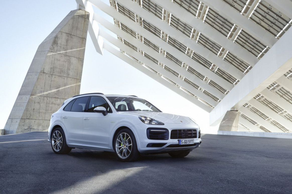 Concept and Review Porsche Cayenne Model