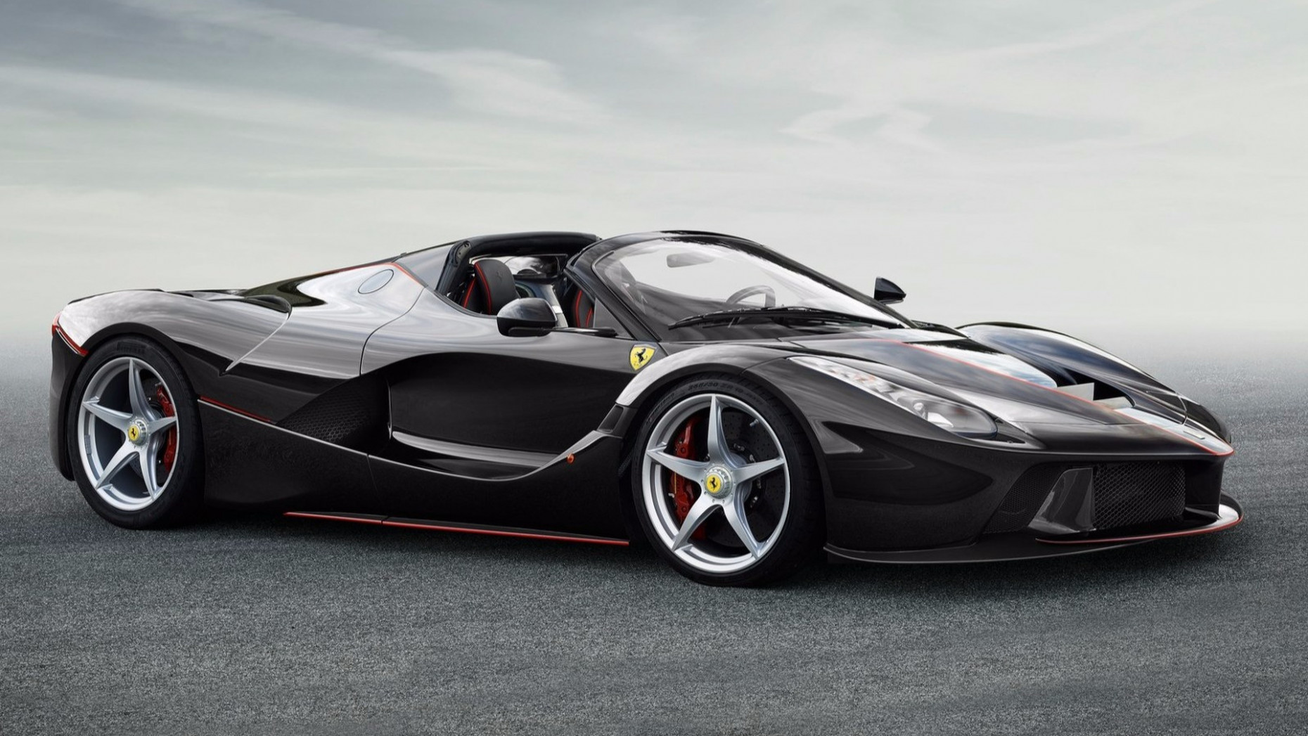 Exterior and Interior New Ferrari 2022