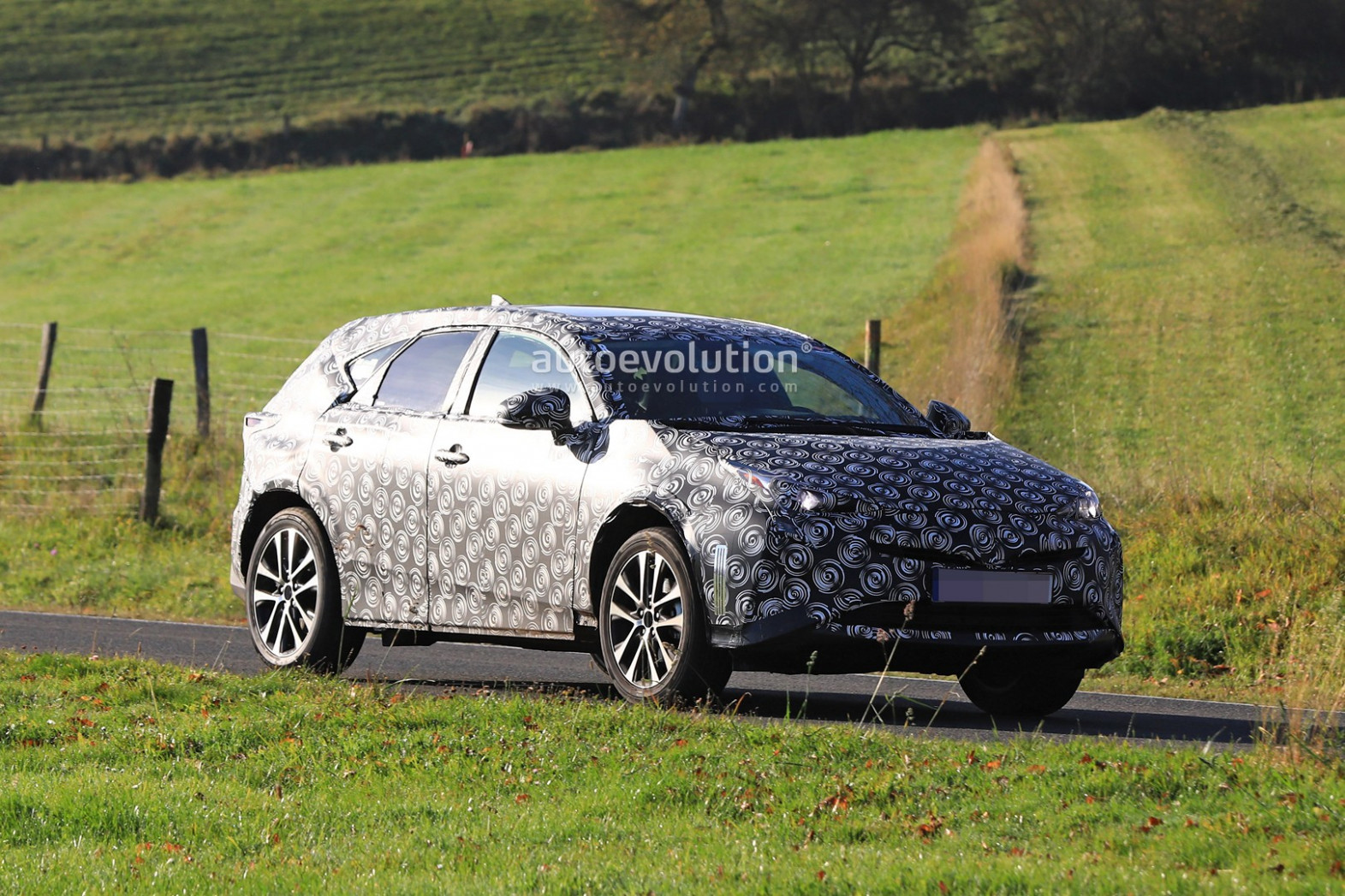 New Review Spy Shots Toyota Prius