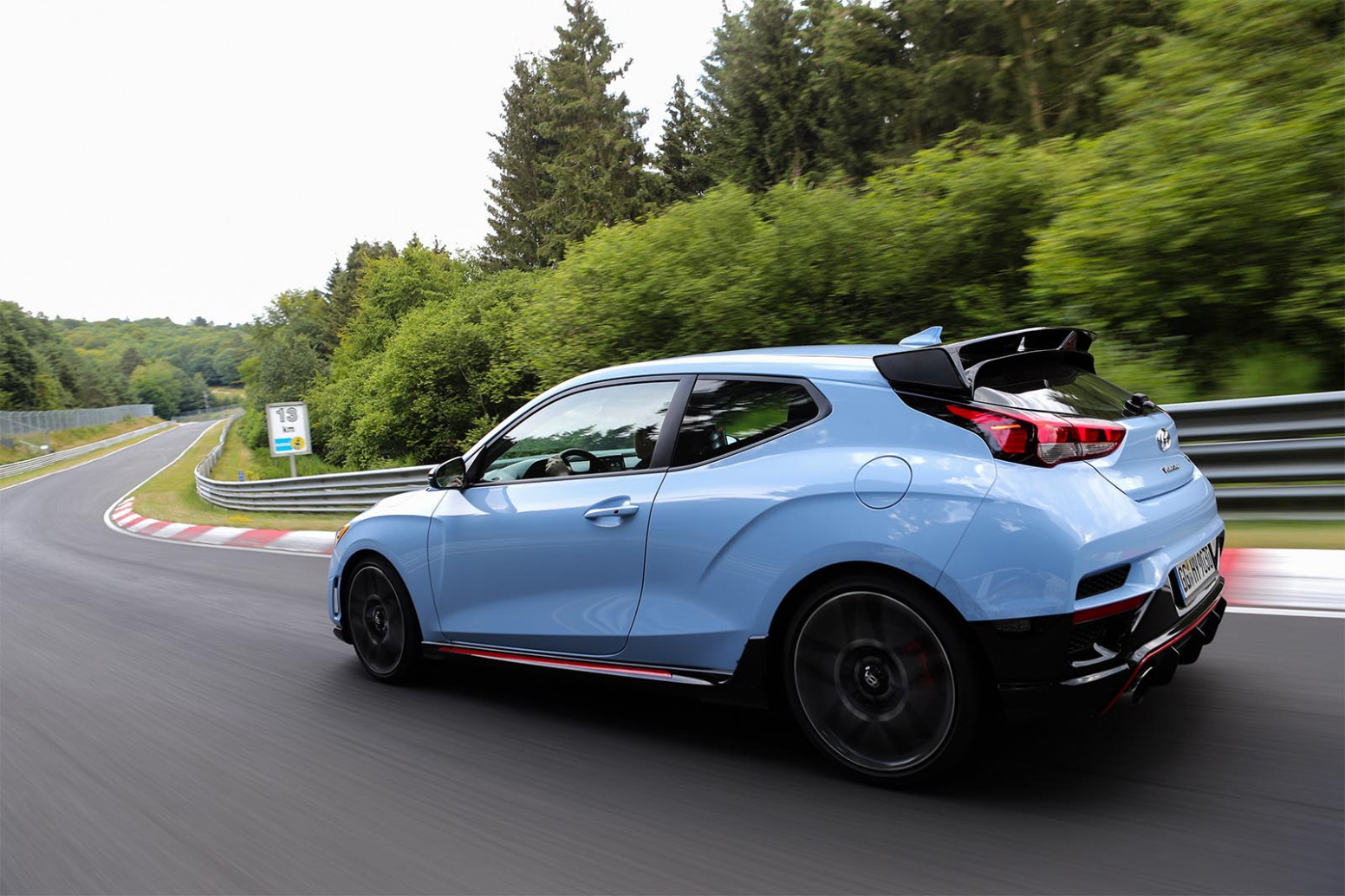 Pictures 2022 Hyundai Veloster Turbo