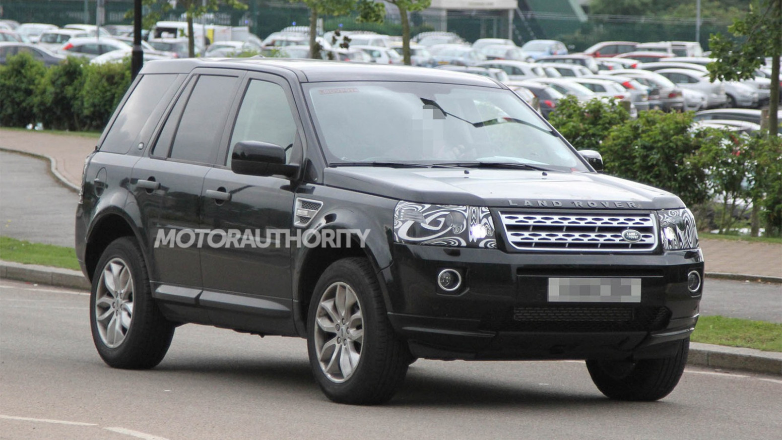 Redesign and Concept 2022 Land Rover Lr2