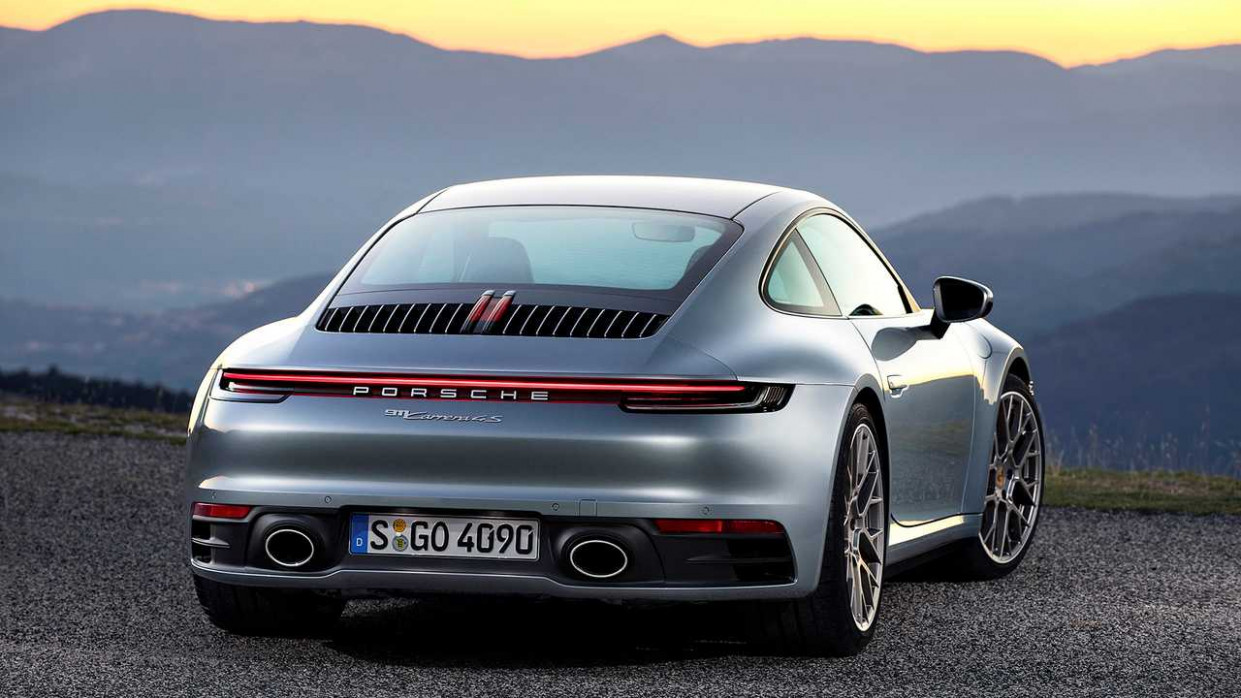 Ratings 2022 Porsche 911 Carrera