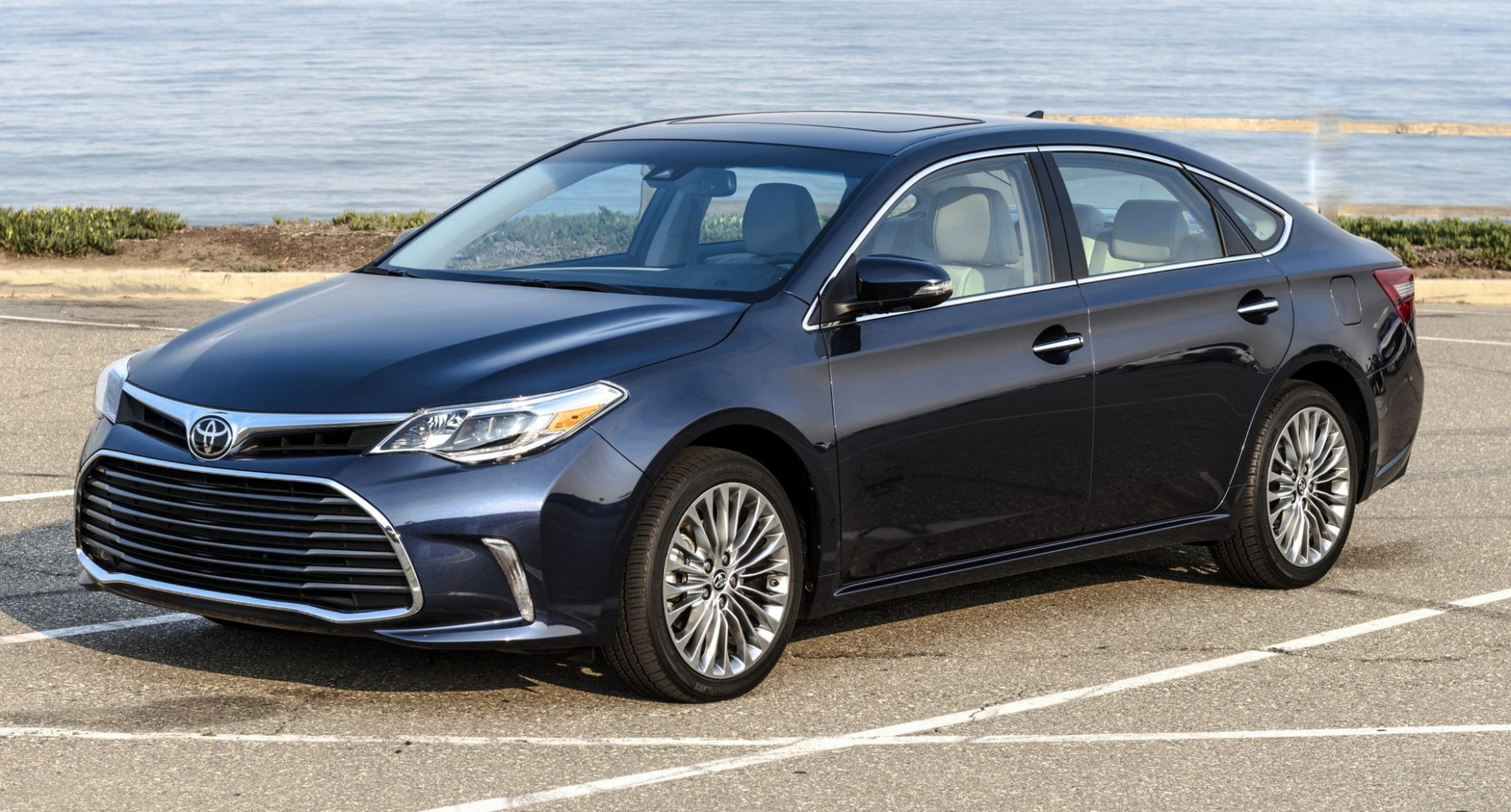 Price 2022 Toyota Avalon Hybrid