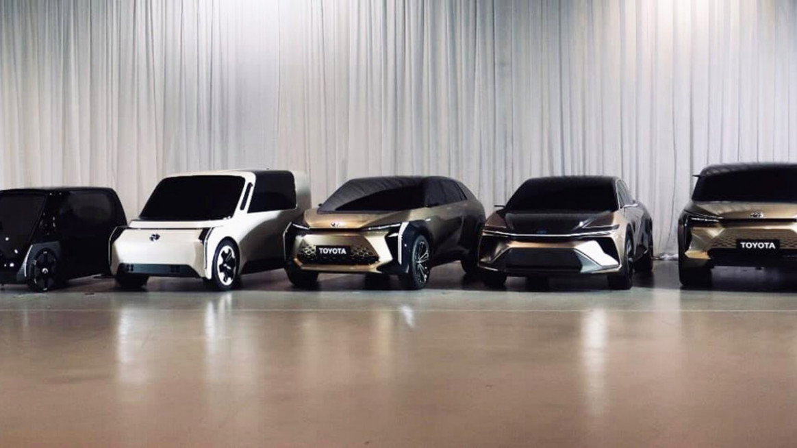 Pictures Toyota Ev 2022