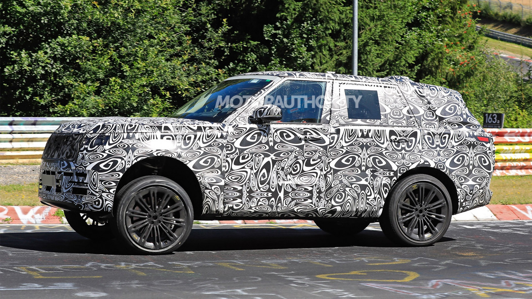 Overview 2022 Land Rover Discovery Sport