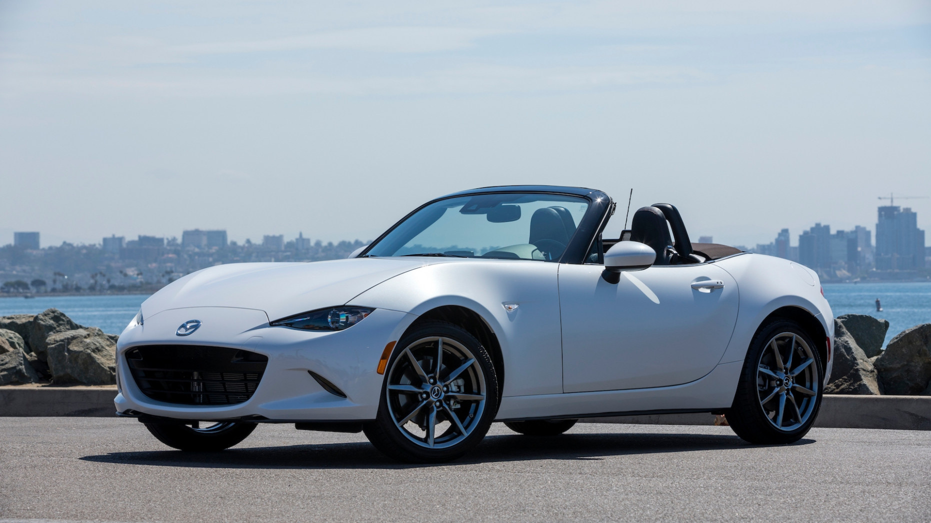 Overview 2022 Mazda MX-5 Miata