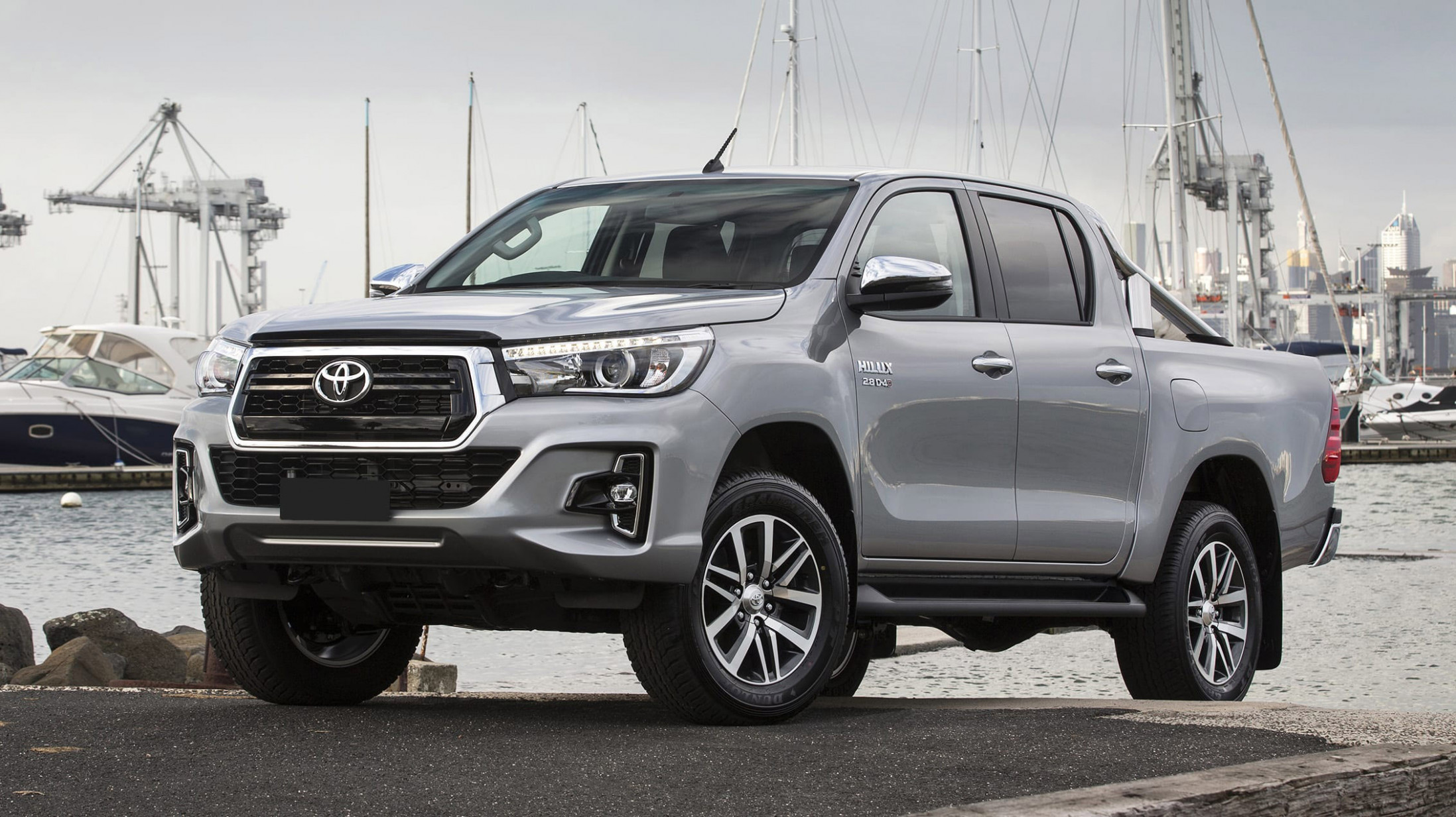 Redesign 2022 Toyota Hilux Spy Shots