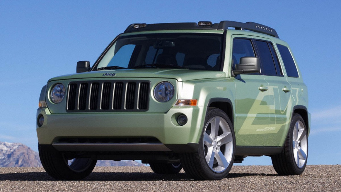 Research New 2022 Jeep Patriot