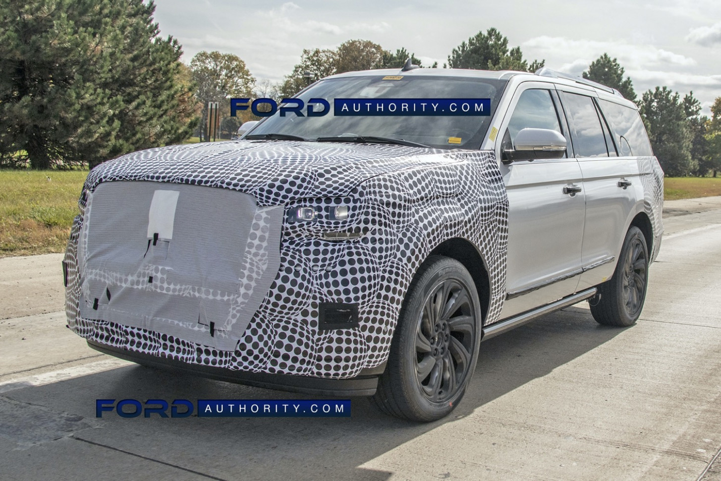 First Drive 2022 Lincoln MKS Spy Photos