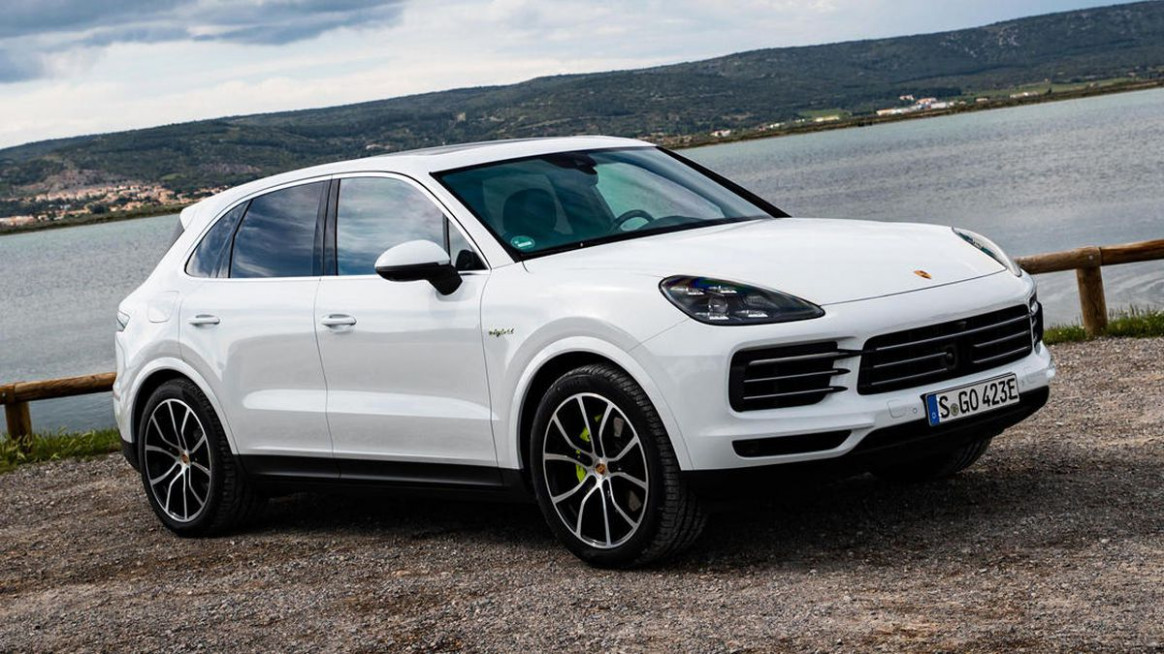 Engine 2022 Porsche Cayenne Model
