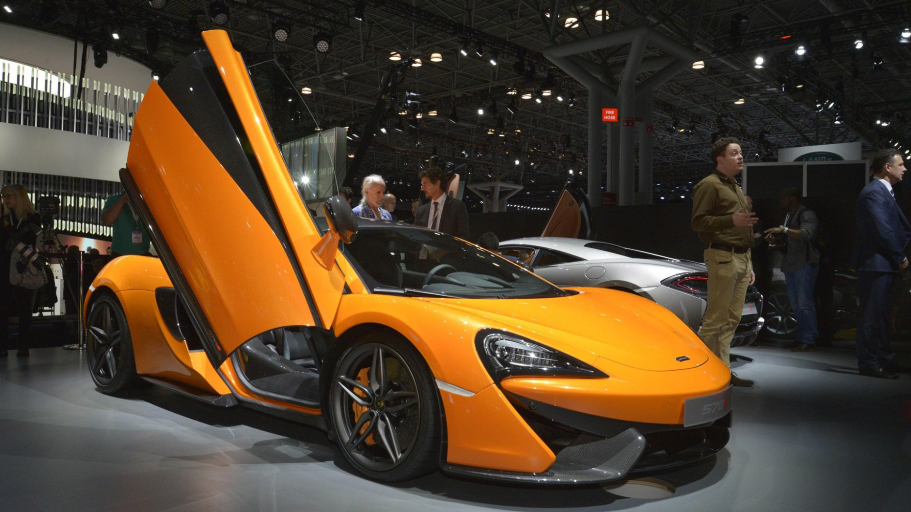 Performance 2022 McLaren 570S Coupe