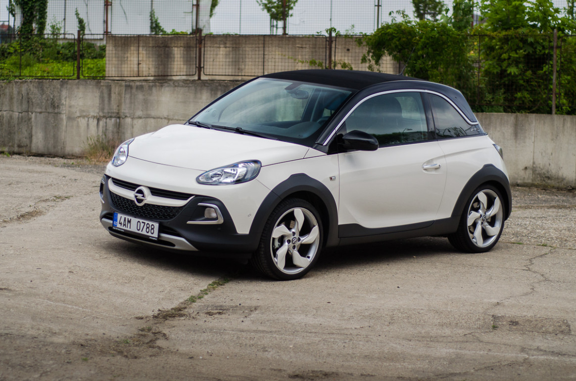 Review 2022 Opel Adam Rocks