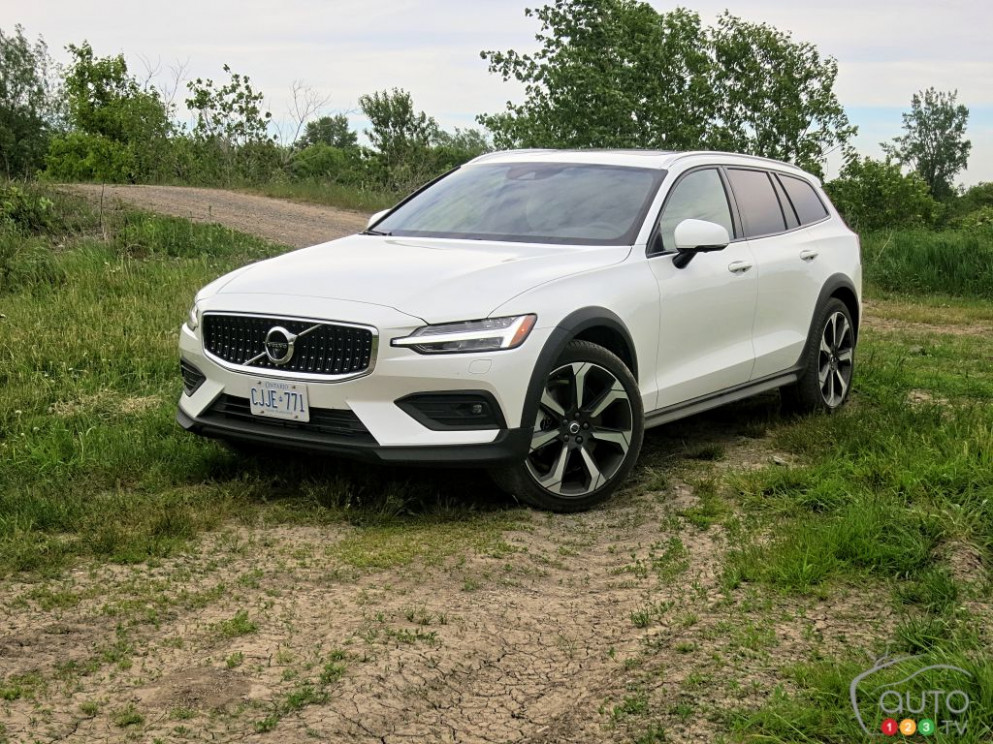 New Review 2022 Volvo V60 Cross Country