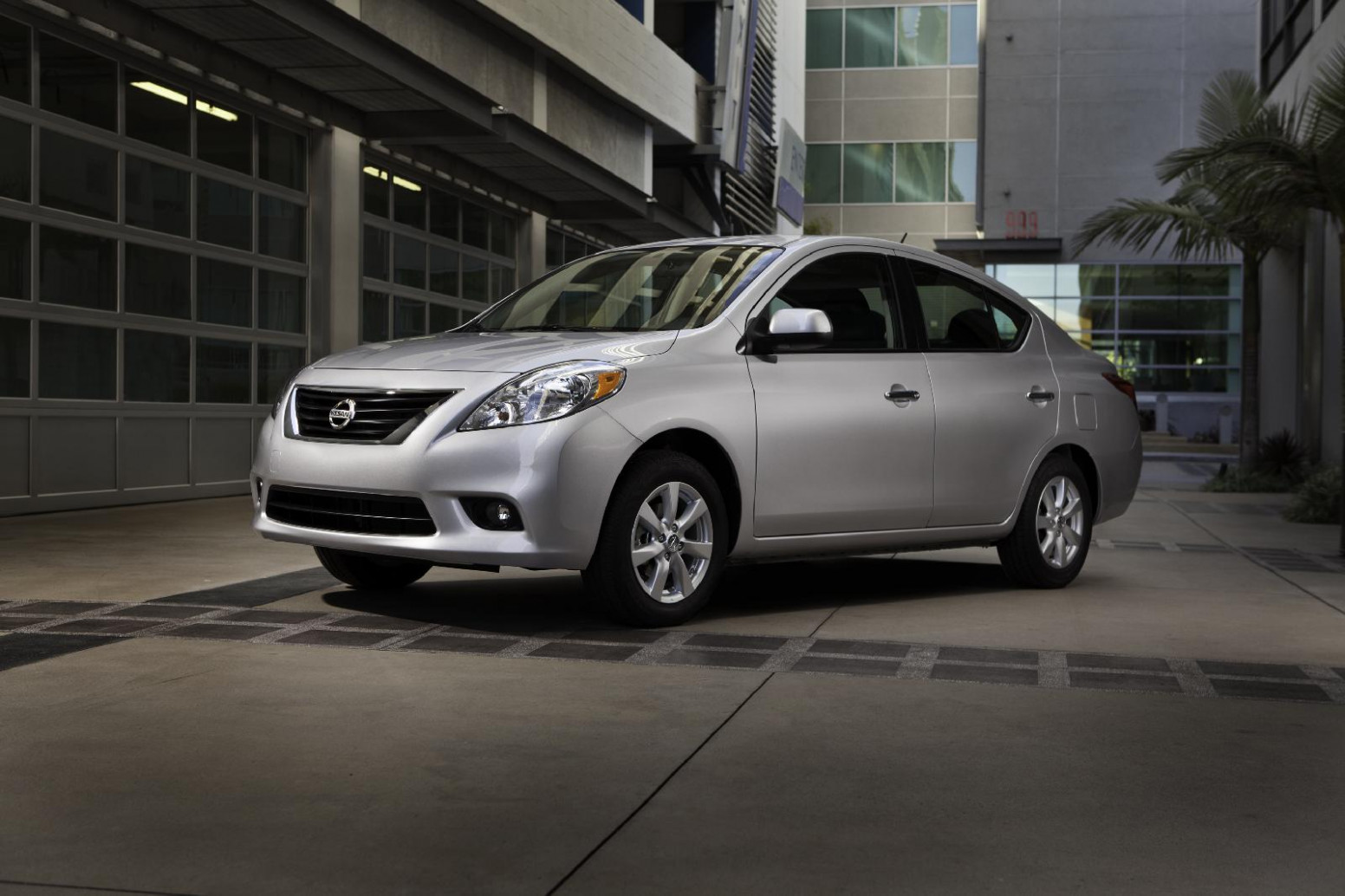 First Drive Nissan Versa 2022 Price
