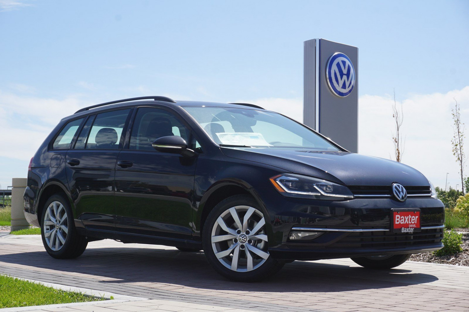 Performance and New Engine Volkswagen Golf Alltrack 2022