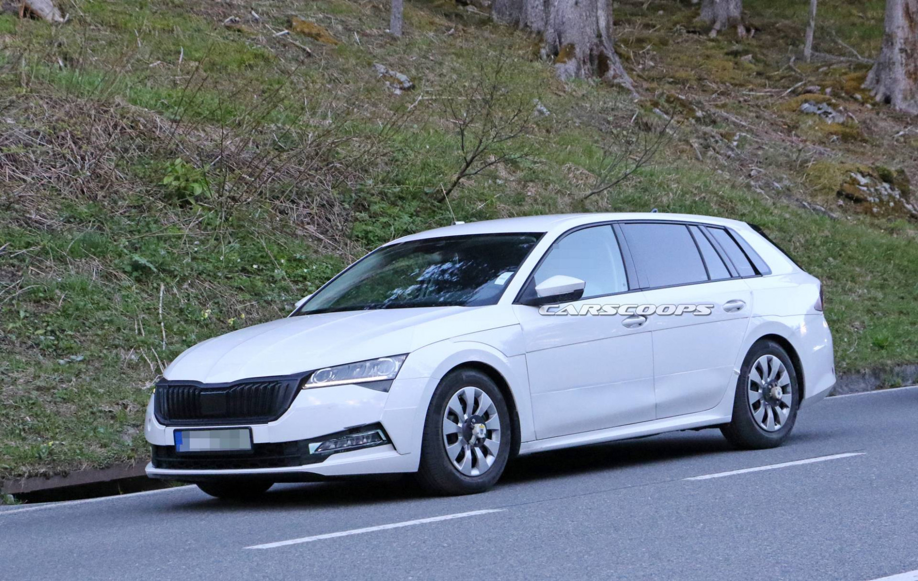 New Model and Performance 2022 The Spy Shots Skoda Superb