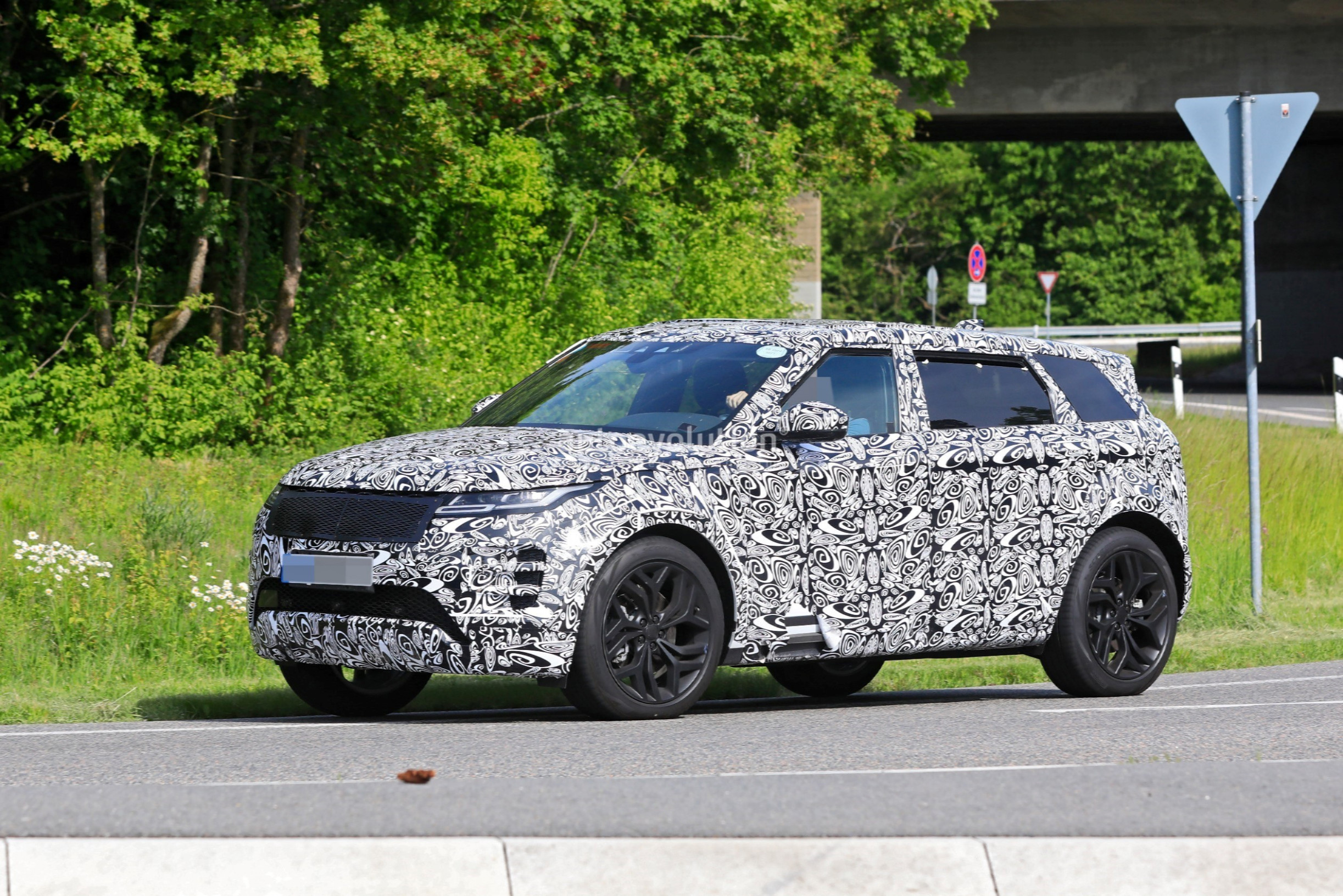 Release 2022 Land Rover Discovery Sport
