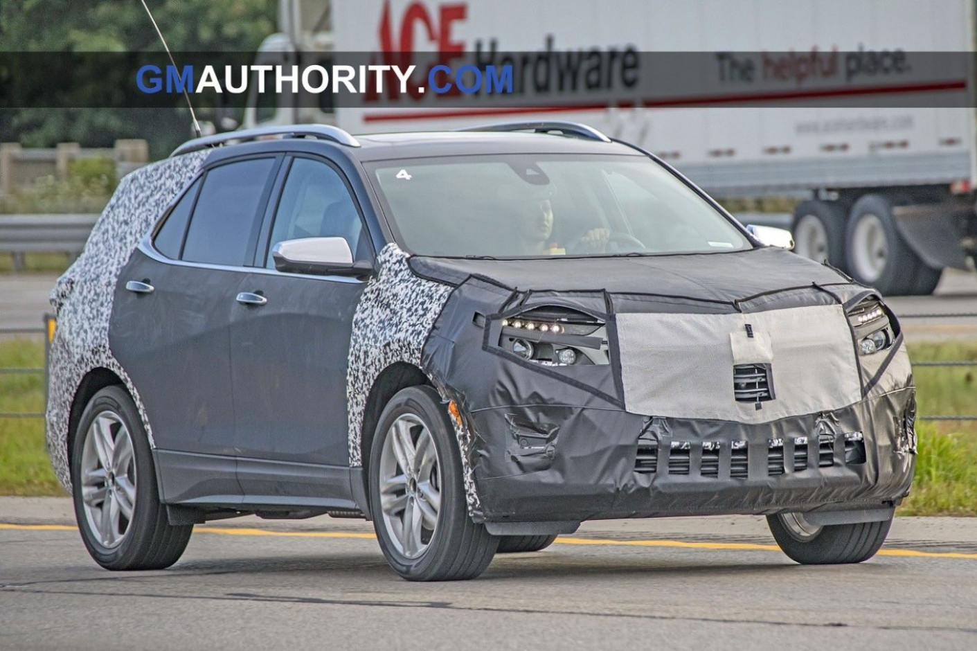 New Review 2022 Lincoln MKS Spy Photos