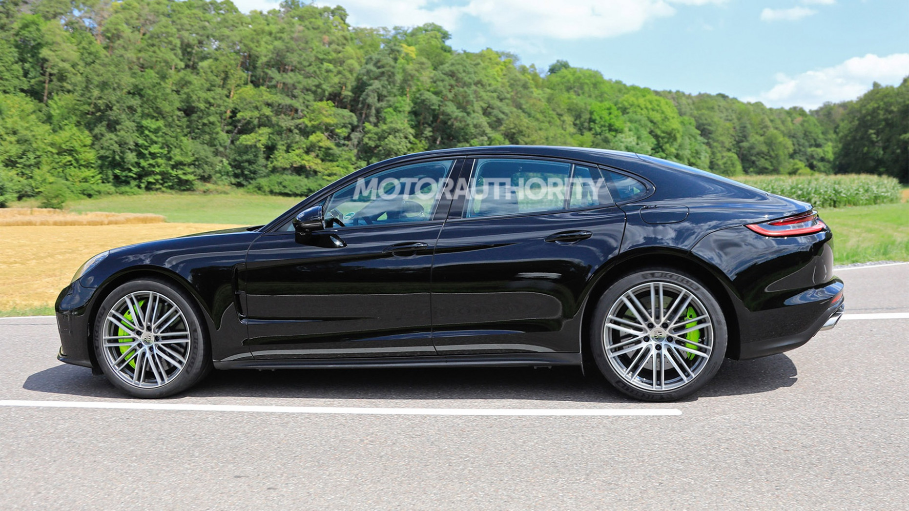 New Model and Performance 2022 The Porsche Panamera