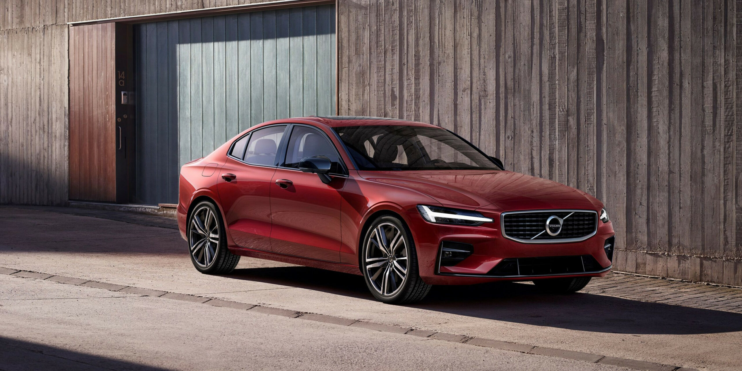Research New 2022 Volvo S60 R