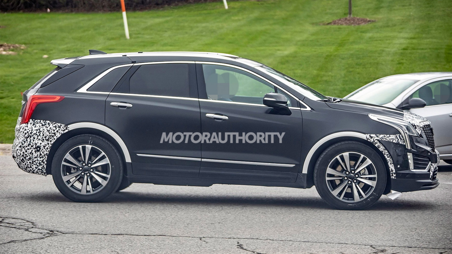 Concept and Review 2022 Spy Shots Cadillac Xt5