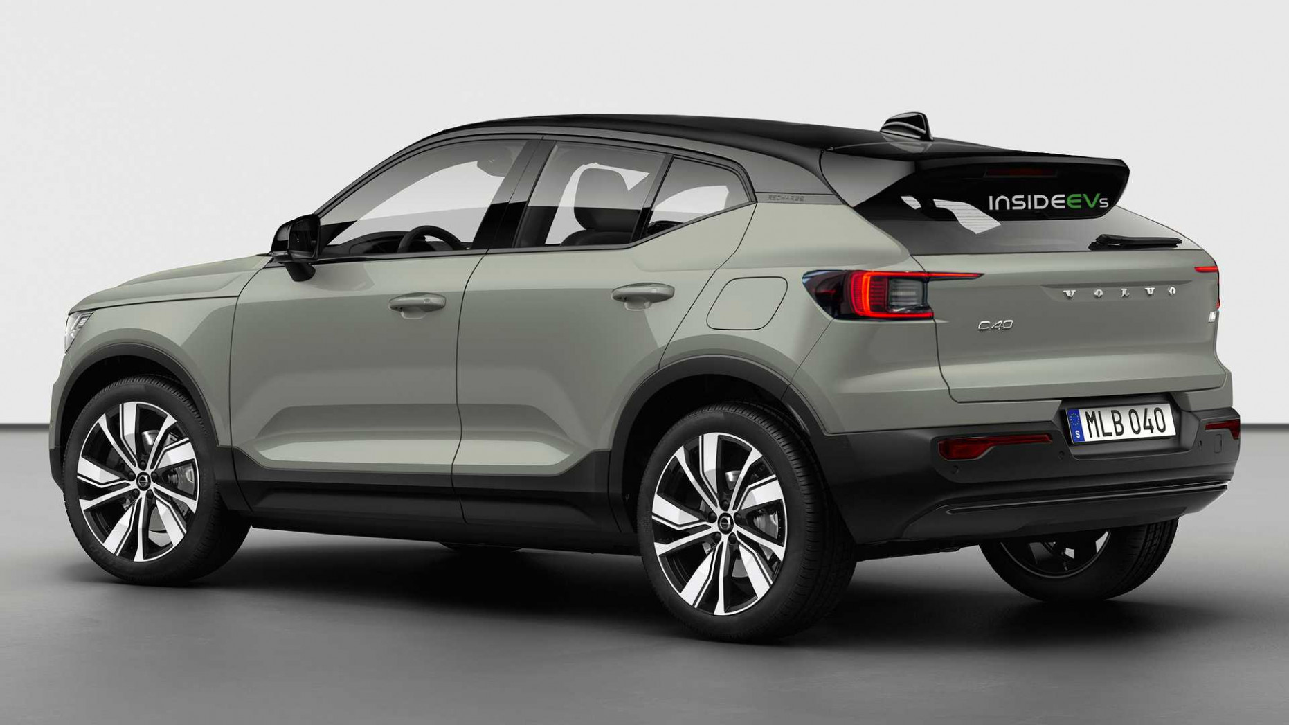 Research New Volvo Xc40 2022