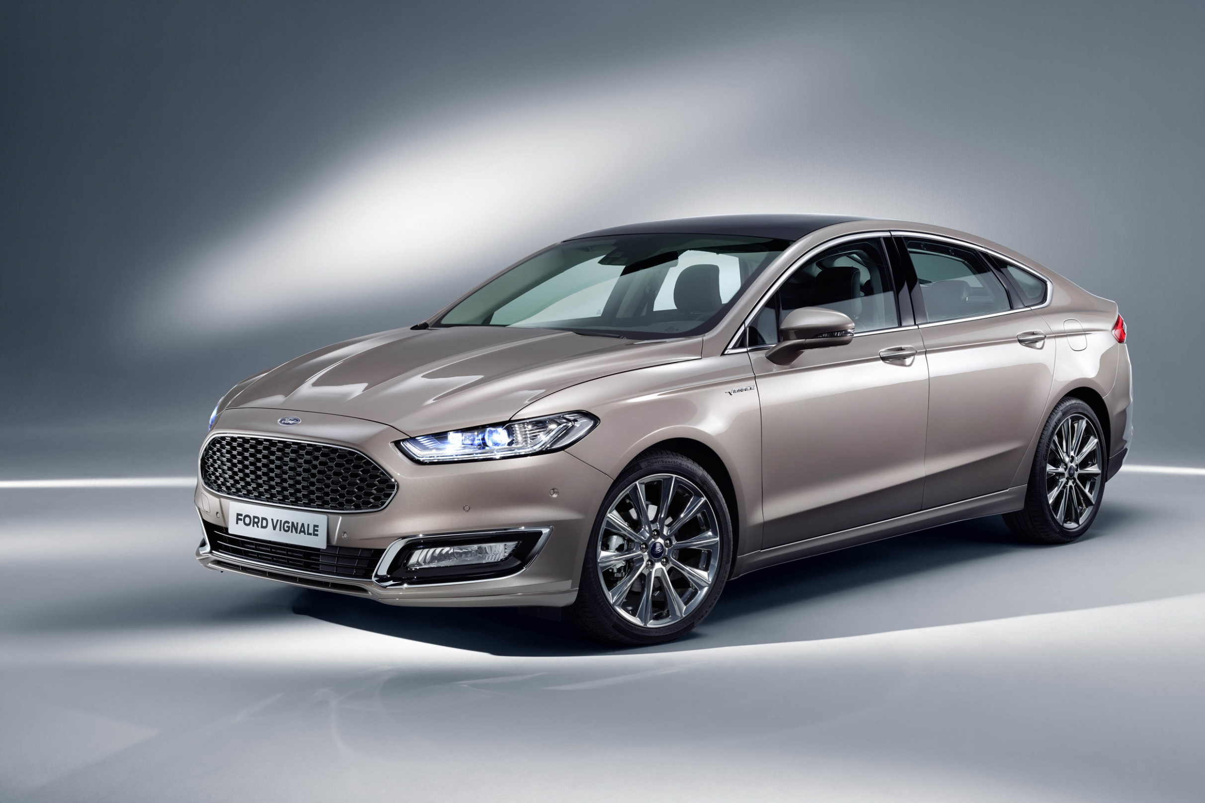Review 2022 Ford Mondeo Vignale